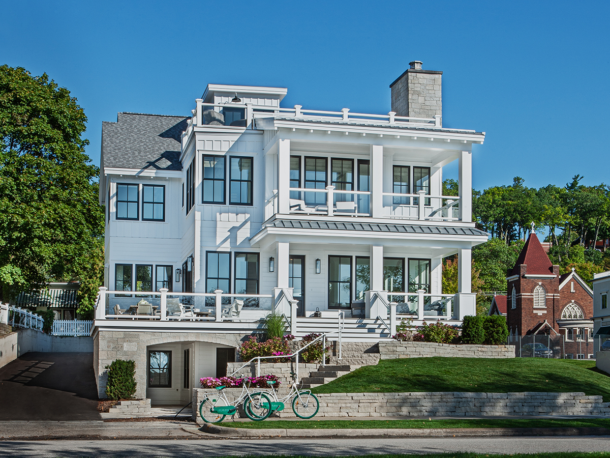 275 E BAY ST – featured