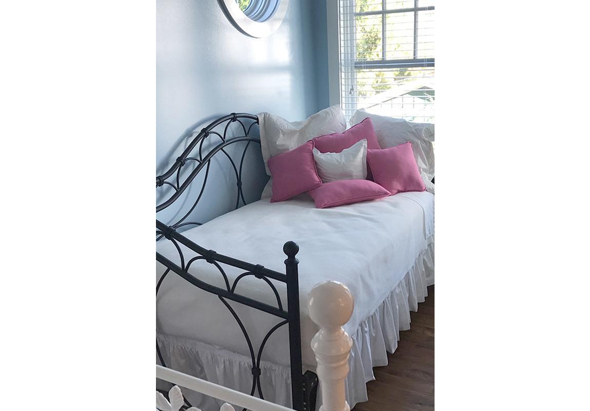 saur-bedroom-2-b-2