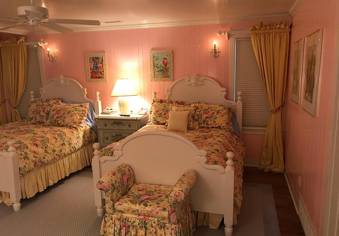 saur-master-bedroom-1-b