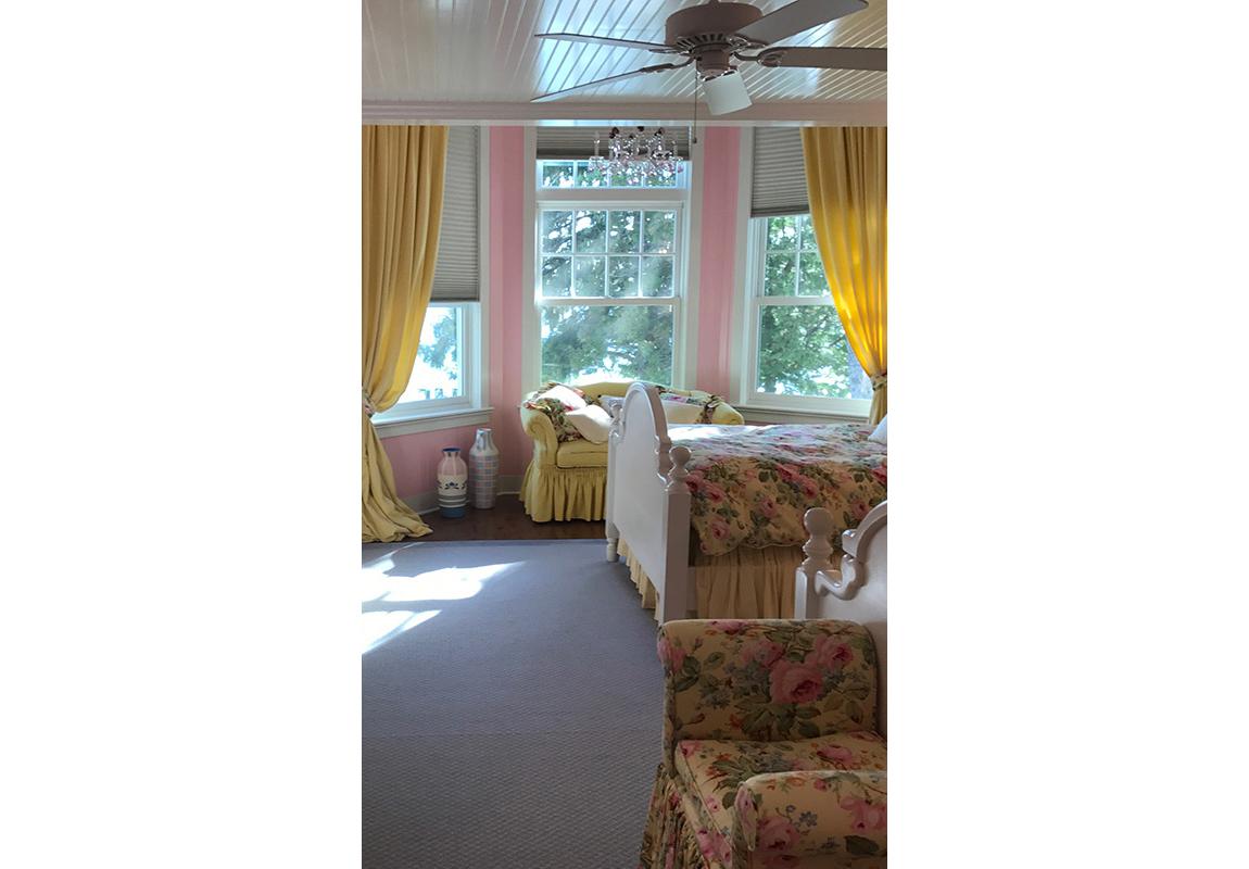 saur-master-bedroom-2-b-2